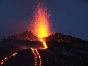 Come vestirsi per andare sull'Etna