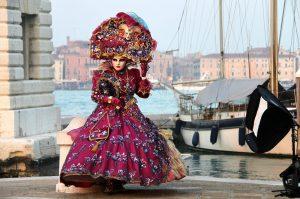 Quanto costa noleggiare costume carnevale venezia