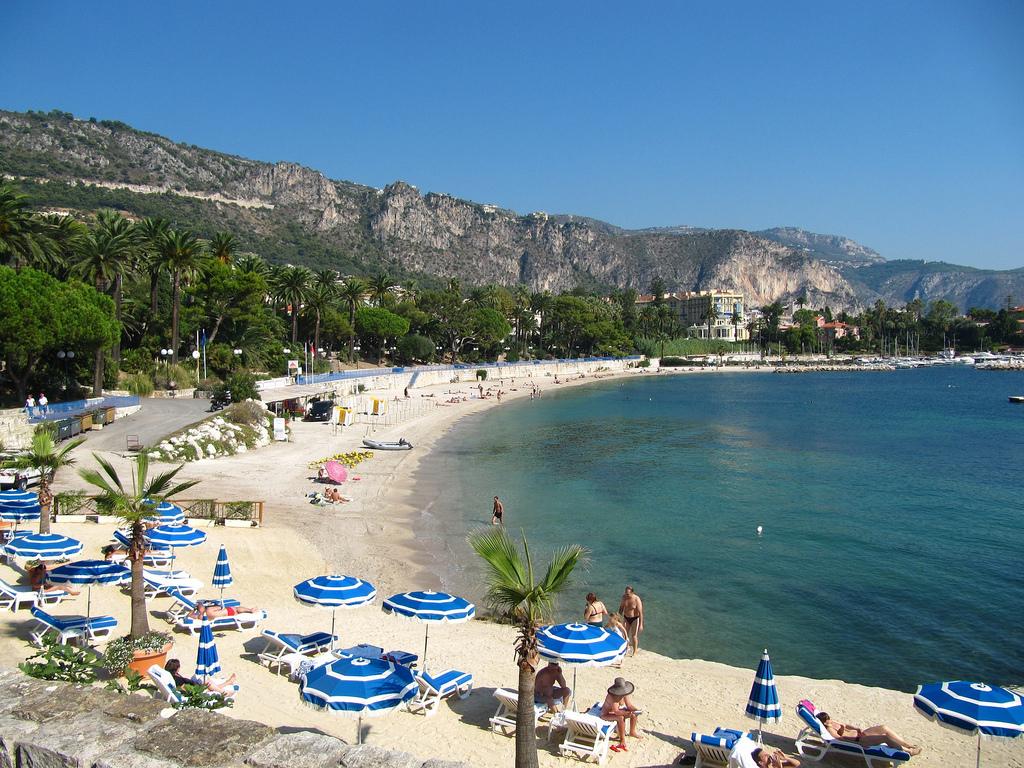 Migliori spiagge di sabbia in Costa Azzurra