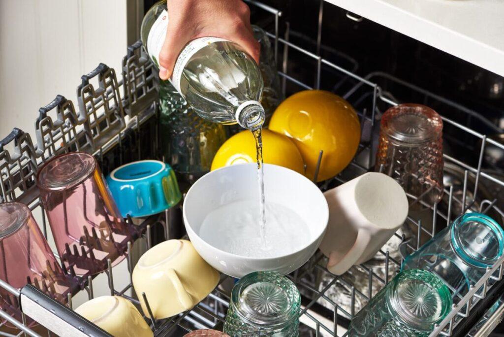 come-pulire-lavastoviglie-aceto
