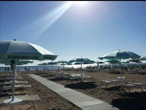 Costo ombrelloni e sdraio a Rimini