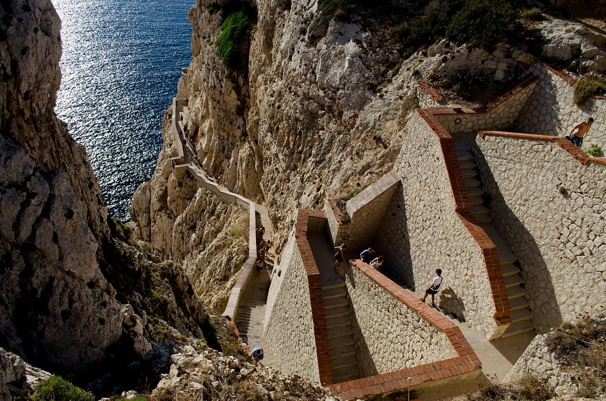 Quanti gradini per le Grotte di Nettuno