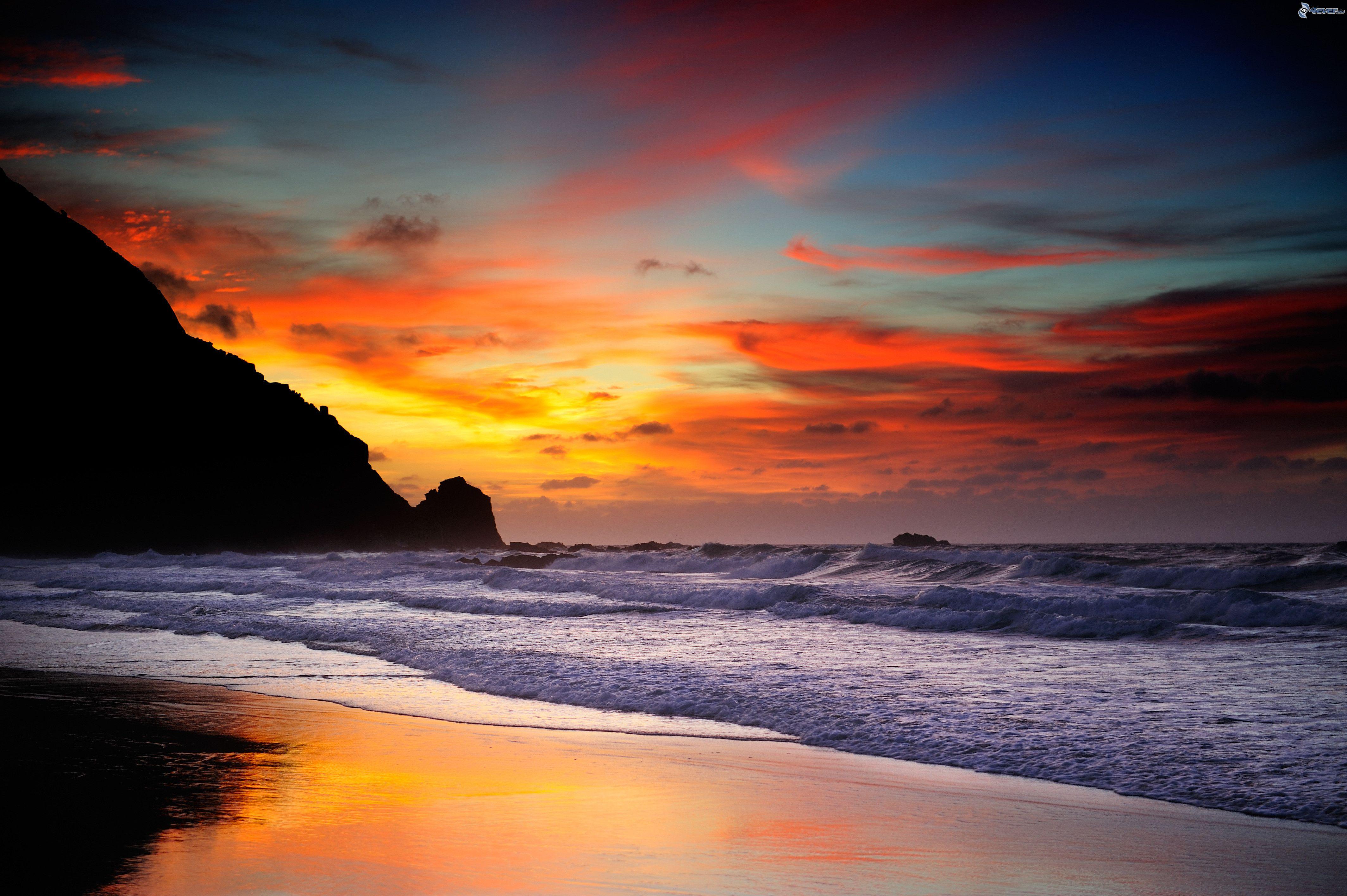 spiaggia-al-tramonto,-onde-sulla-costa,-mare-207362