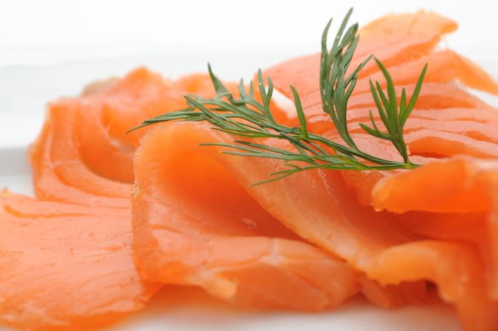 Salmone affumicato in gravidanza, si può mangiare?