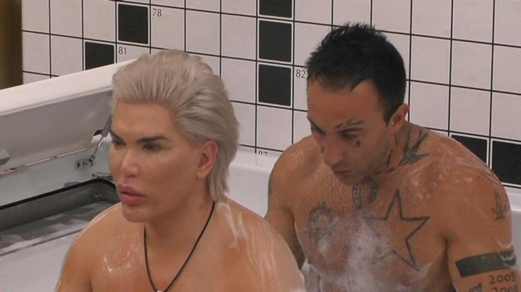 Ken Umano vasca da bagno