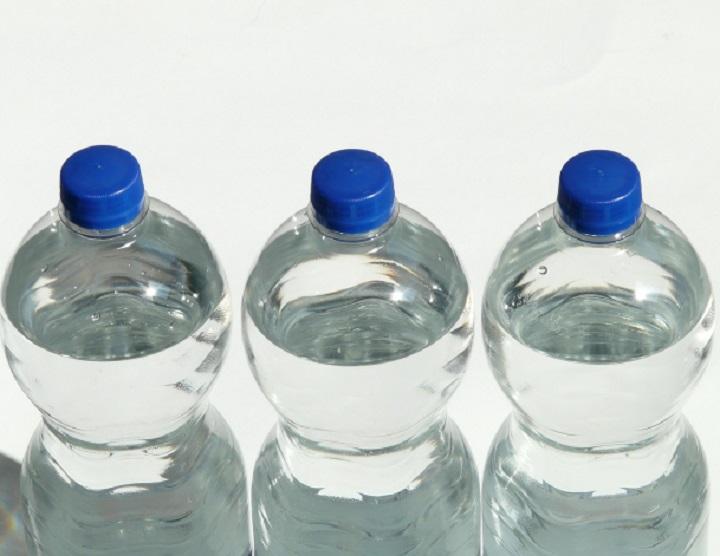 Ministero della Salute chiede ritiro di un lotto di bottigliette d'acqua
