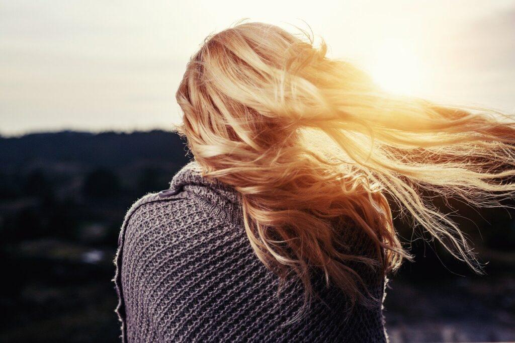 aceto-di-mele-antiforfora-lucidante-capelli