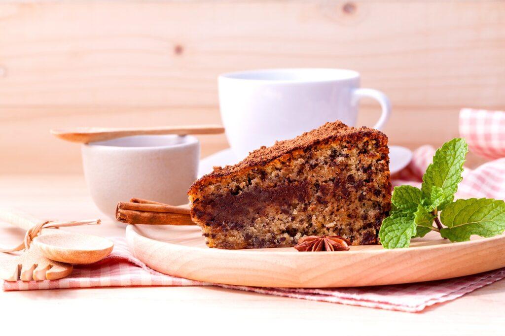 Torta al cioccolato con cannella e caffè
